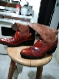 brown leather cowboy boots in box Modesto, 95354