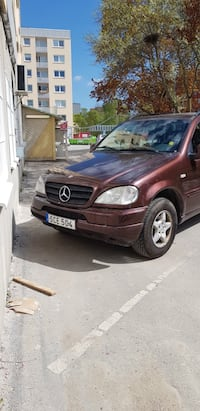 Mercedes - ML 320- 2001 benzin Huddinge, 141 50