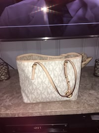 USED Original Michael Kors bag Belleville, 07109