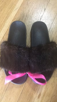 real mink slider sandal new/modified in size Medium  New York, 11233