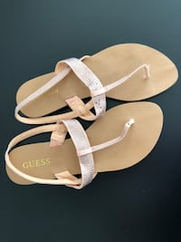 Guess Sandals - Size 8M Chicago, 60656