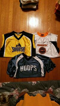 3 assorted color Nike jersey shirts Powell, 37849