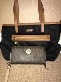 michael kors purse and wallet  Georgetown, 78628