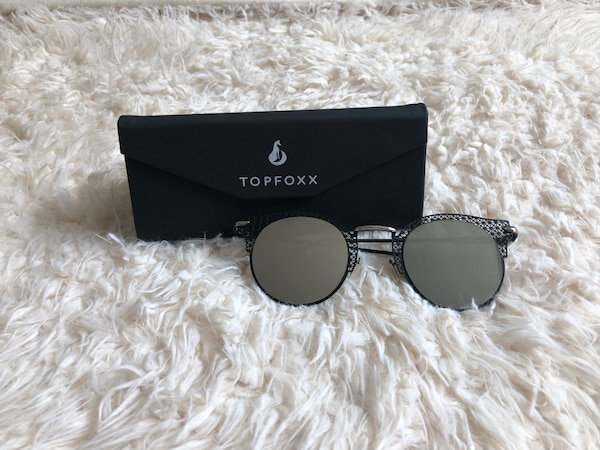 f1383c38d0cf6 Used TopFoxx Black Sunglasses for sale in New York - letgo