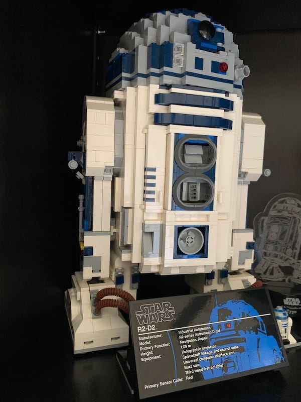Collectible Lego R2D2. Sold as it is without original box 2f003e93-6b7f-4544-a05f-c16a122c9cdc