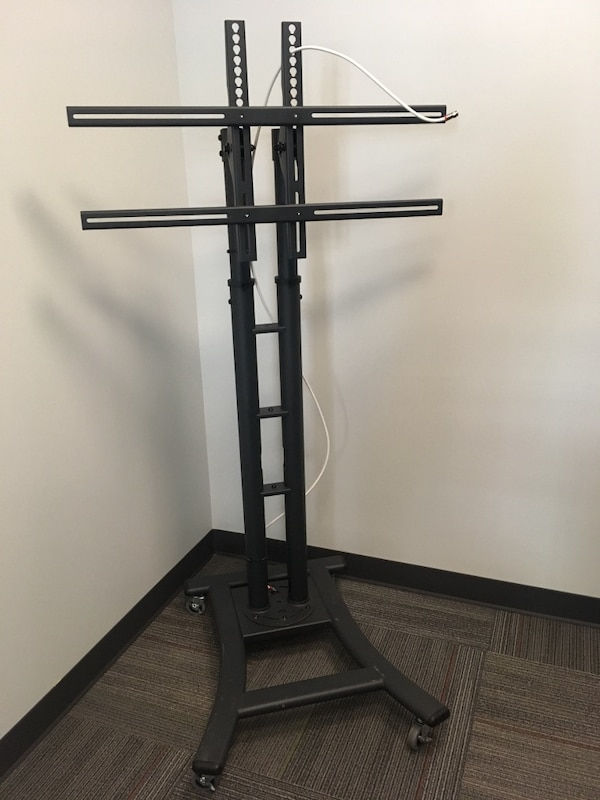 Mobile TV stand