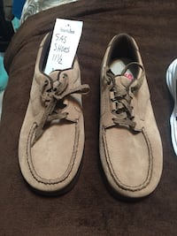 Pair of brown suede chukka boots Peoria, 85373