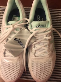 white Asics athletic shoes Springfield, 01108