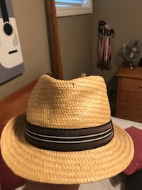 brown and black fedora hat 3180 km