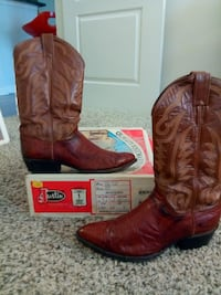 pair of Peanut Brittle leather cowboy boots Laurel, 20724