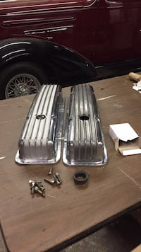 60-86 Chevy valve covers 1202 mi