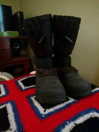 Snow boots Rochester, 03867