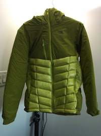 Brand new mountain hardware supercharger jacket size M. Retails for $350 asking $200 obo Toronto, M3J 1Z6