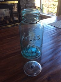 Glass Fruit Jar with Wire Bail (2 Quart) Calgary, T3H