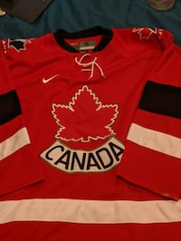 Team Canada jersey size small