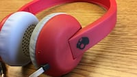 red and white Skullcandy corded headphones Elyria, 44035