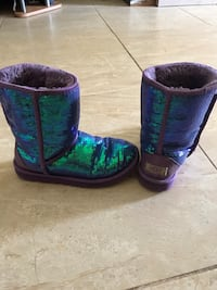 Women's Uggs size 6 Rockledge, 32955
