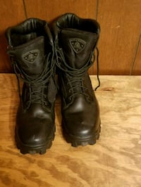 pair of black leather work boots Kitts Hill, 45645