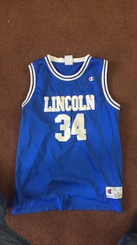 blue and white Los Angeles Lakers 24 jersey East Islip, 11730