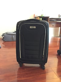 Kenneth cole luggage bag (hand carry size) - like new!!!