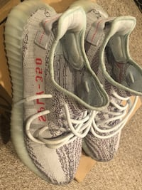 pair of gray Adidas Yeezy Boost 350 V2 Washington, 20001