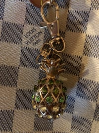 Vintage Pineapple Hand Bag Charm/KeyFob Gainesville, 20155