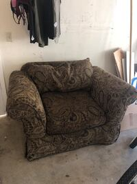 Brown paisley couch and love seat Lemoore, 93245