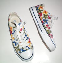 Converse All Stars Low Top Retro Floral Shoes Size 6 Womens or 4.5 Mens London