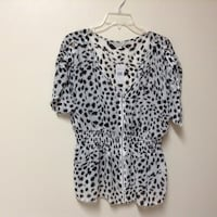 Women's guess black and white short sleeve sheer blouse… Size XL Manasquan, 08736