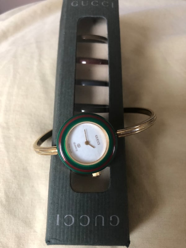Vintage Gucci Watch with Extra Unused BEzels 8d810410-f4ea-4214-b336-946ddae6a223