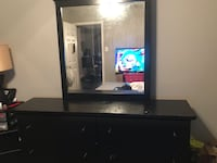Black dresser with the mirror to go with it in perfect condition  Dallas, 75243