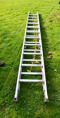 22' plus Aluminum Extendable Ladder - Great Condition - USED BY A Senior - Moving Sale  Coquitlam, V3K 1H2