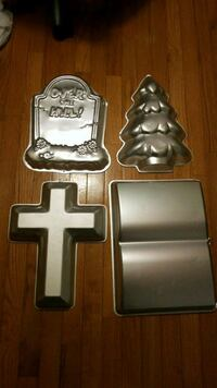 Cake pans $5 each Springfield, 22153