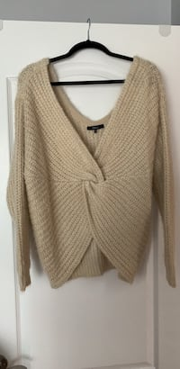 Mendocino Sweater- women's size medium *worn once* Mississauga, L5V 2J2