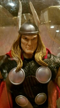 THOR ACTION FIGURE Hollywood
