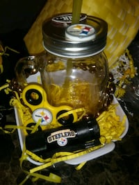 Mens steelers basket $25 Bakersfield