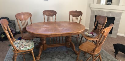 Dining Room Table (includes chairs)