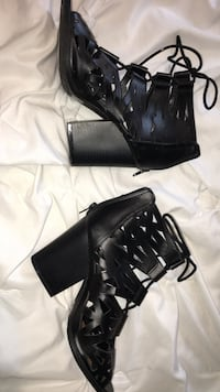 Pair black leather chunky heeled strap sandals size 8 Lafayette, 47909