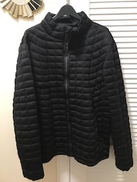 Men's Black zip-up bubble jacket