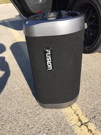 Fusion Subwoofer with built in amp  Brampton, L6Y 0L4