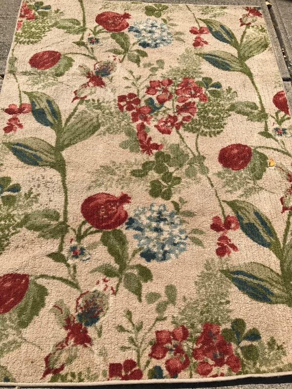 5x7' Area Rug In Great Shape!