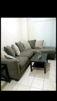 Couch sectional  Miami, 33130