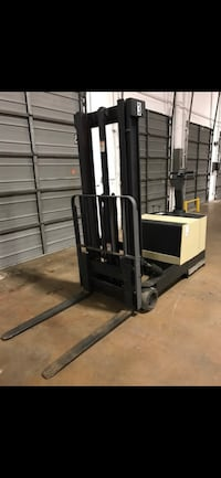 2000 Crown Electric Forklift