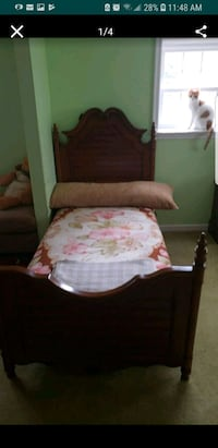 BEAUTIFUL WOOD BEDFRAME! Olney, 20832
