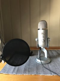 Blue yeti studio mikrofon og pop filter Moss, 1597