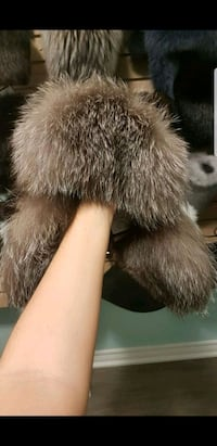 Real fur hat unisex Welland, L3B 2H9