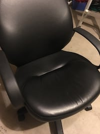 Desk Chair Milton, L9T 0P2