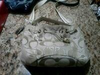 Coach purse like brand new Dearborn Heights, 48127