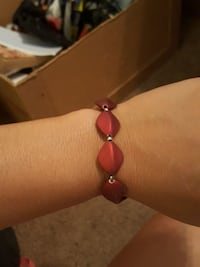 diagonal red beaded bracelety Prescott Valley, 86314