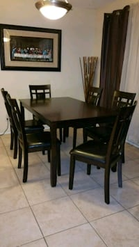 TABLE AND SIX CHAIRS SET  Scottsdale, 85257